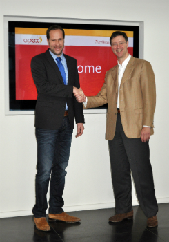 Bas van der Poel, Technical Sales Manager, und Willem-Jan Kersten, Vice President Sales bei Apex