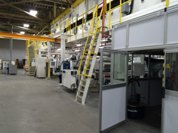 Die Davis-Standard Extrusionsbeschichtungsanlage bei Oracle Packaging