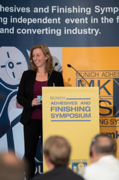 Dr. Katja Greiner, European Technical Service Manager Adhesives, Synthomer Deutschland GmbH (Bild: Hinterwaldner Consulting)